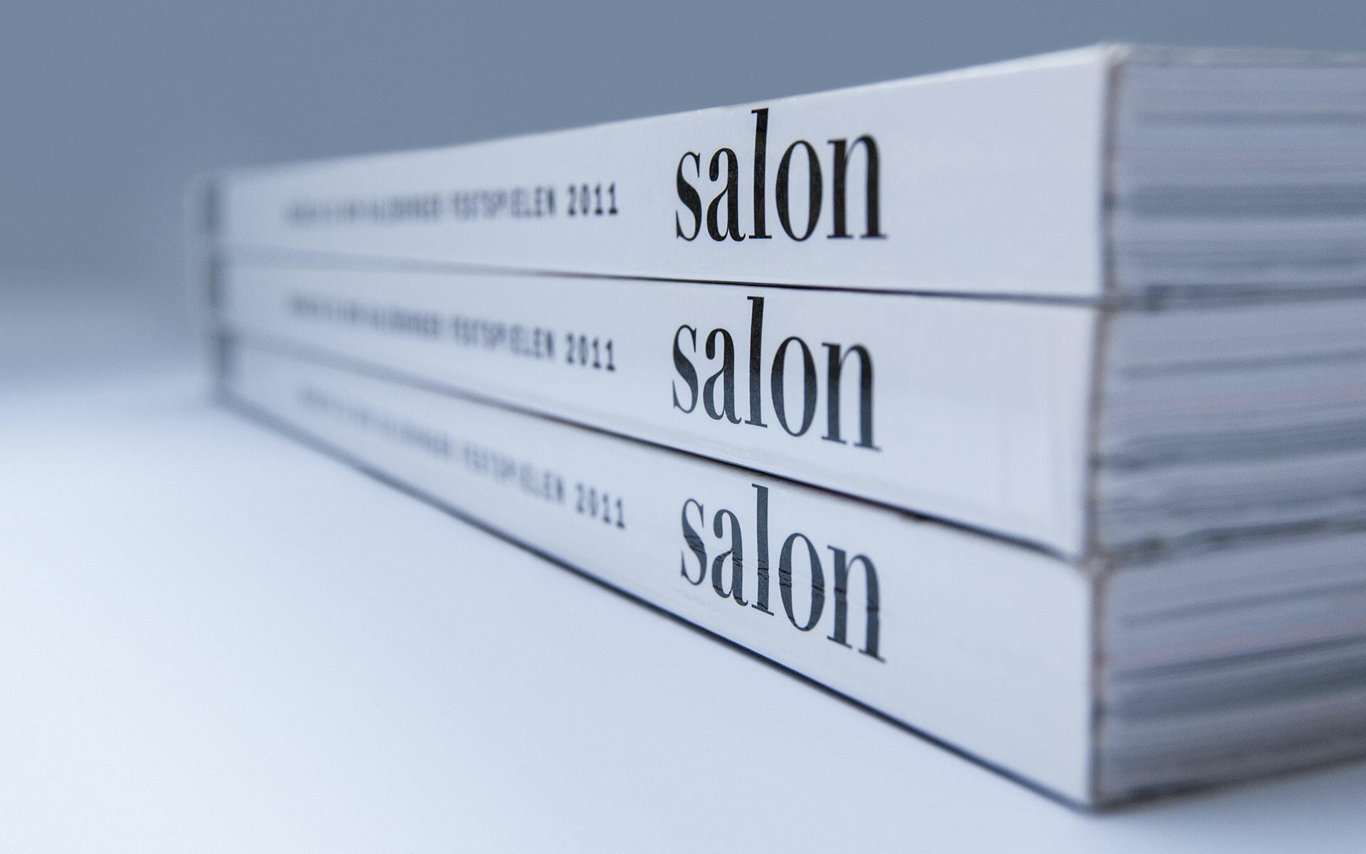 Salon 2011 – stack of magazines